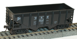 Accurail HO KIT 55-Ton Panel Side Twin Hopper, D&H, LIST PRICE $15.98