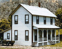Am Model Buiild HO Farmhouse two-stry w/prch, LIST PRICE $52.95