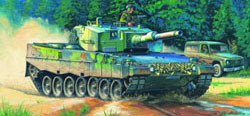 Hobby Boss 1:35 German Army Leopard 2 A4 Tank, LIST PRICE $39.99