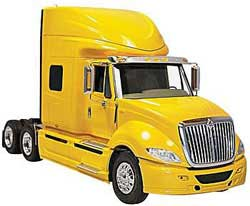 Moebius 1/25 International Prostar, LIST PRICE $79.99