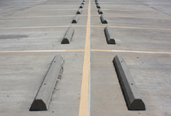 Pikestuff HO Concrete Parking Barriers , LIST PRICE $3.25