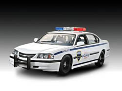 Revell-Monogram '05 IMPALA POLICE CAR Snap :25, LIST PRICE $16