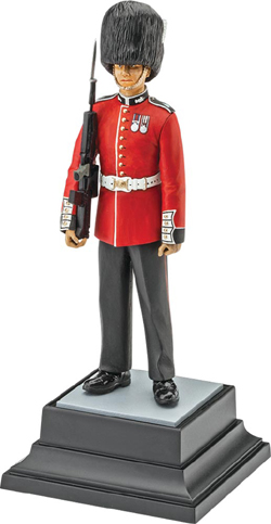 Revell - Germany Queen'S Guard 1:16, LIST PRICE $24.95