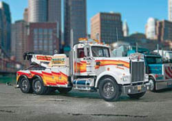 Revell - Germany KENWORTH K-900 WRECKER 1:25   , LIST PRICE $131.85