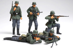 Tamiya 1/35 GermanInf.Set(French Campaign), LIST PRICE $18