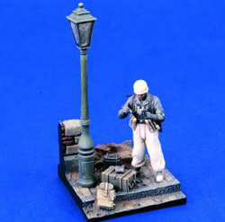 Verlinden GERMAN PARATROOPER VIGNETTE:35, LIST PRICE $16.6